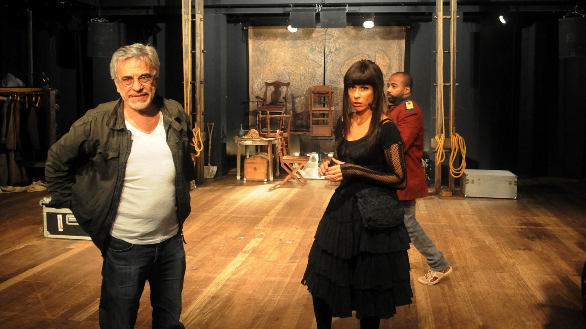 http://imguol.com/2012/11/14/andrea-beltrao-encena-a-comedia-rock-jacinta-que-estreia-nesta-quinta-no-teatro-poeira-zona-sul-do-rio-151112-o-musical-tem-direcao-de-aderbal-freire-filho-1352937445511_1920x1080.jpg