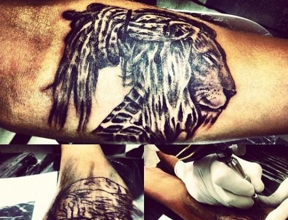 Caio Castro posta foto de suposta tatuagem na rede social Instagram (14/11/12)
