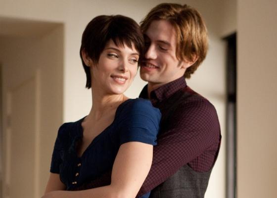Ashley Greene e Jackson Rathbone em cena de A Saga Crepúsculo: Amanhecer - Parte 2 (2012)