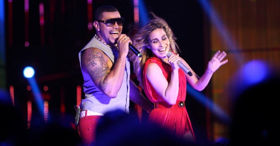 """A cantora Wanessa canta com Naldo na gravação do seu segundo DVD de carreira na noite deste sábado no palco do HSBC Brasil, Em São Paulo. Wanessa apresentou novas canções e sucessos como """"Falling for You"""", """"Worth It"""", """"Stuck on Repeat"""", """"Sticky Dough"""", """"Fly"""" e """"Get Loud"""" (15/11/12)"""