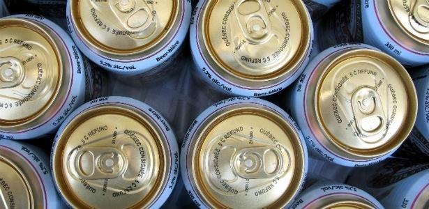 Resultado de imagem para cerveja em lata gelada