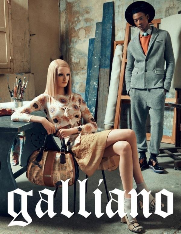 Novembro: A John Galliano lançou sua campanha de Inverno 2013 com os modelos Maud Welzen e Ty Ogunkoya, fotografados por Sebastian Kim