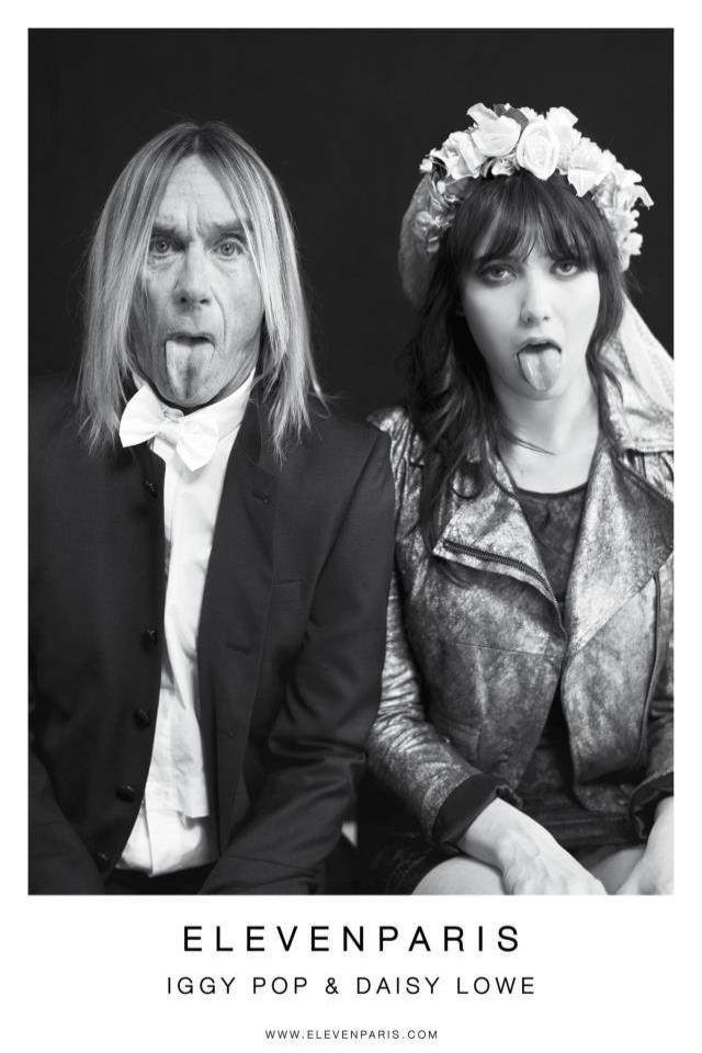 O roqueiro Iggy Pop posa ao lado da modelo inglesa Daisy Lowe, na foto da campanha de inverno da Eleven Paris, ambos mostram a língua na