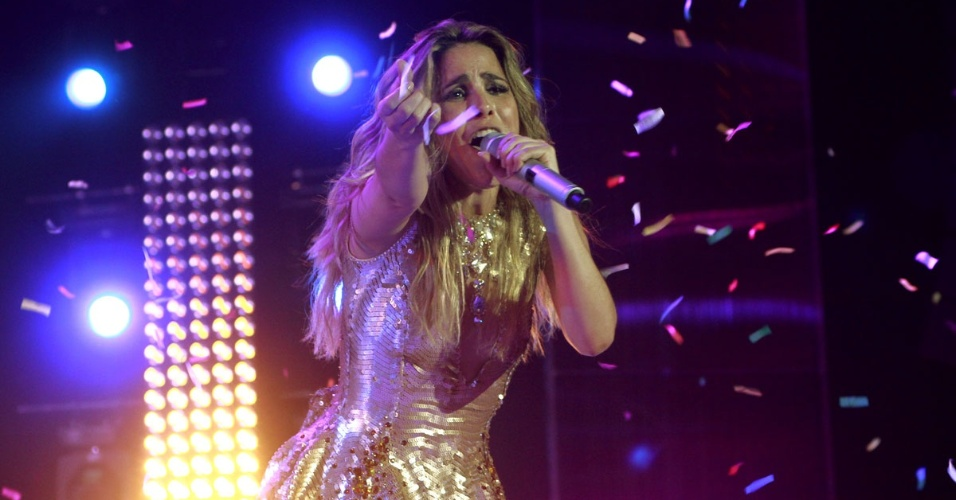 "A cantora Wanessa gravou seu segundo DVD de carreira na noite deste sábado no palco do HSBC Brasil, Em São Paulo. Wanessa apresentou novas canções e sucessos como ""Falling for You"", ""Worth It"", ""Stuck on Repeat"", ""Sticky Dough"", ""Fly"" e ""Get Loud"" (15/11/12)"