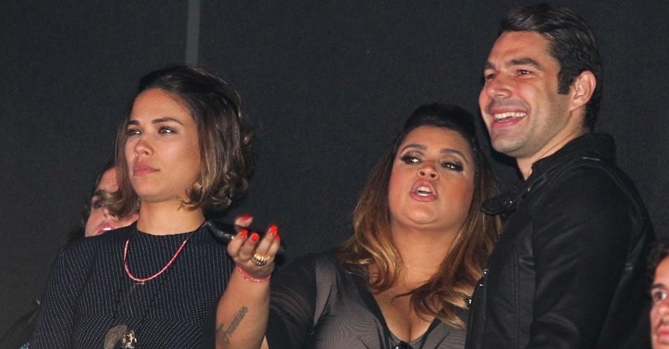 Bia Antony, Preta Gil e Marcus Buaiz no show de Wanessa no HSBC Brasil, em São Paulo (15/11/12)