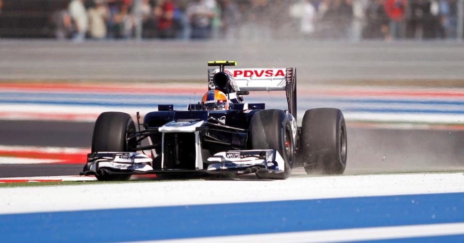 Brasileiro Bruno Senna erra curva durante segundo treino livre do GP de Austin na tarde desta sexta-feira