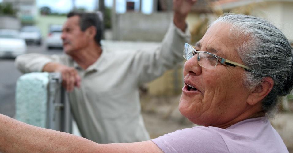 17.nov.2012 - Os aposentados Adamasio Sagaz, 74, e Lourdes Sagaz, 68, se dizem amedrontados com onda de violência no Estado, que já atinge 15 municípios. Os ataques contra policiais e ônibus se iniciaram na última segunda-feira (12). A polícia associa a ação a organizações criminosas ligadas ao tráfico de drogas e a bandidos oportunistas