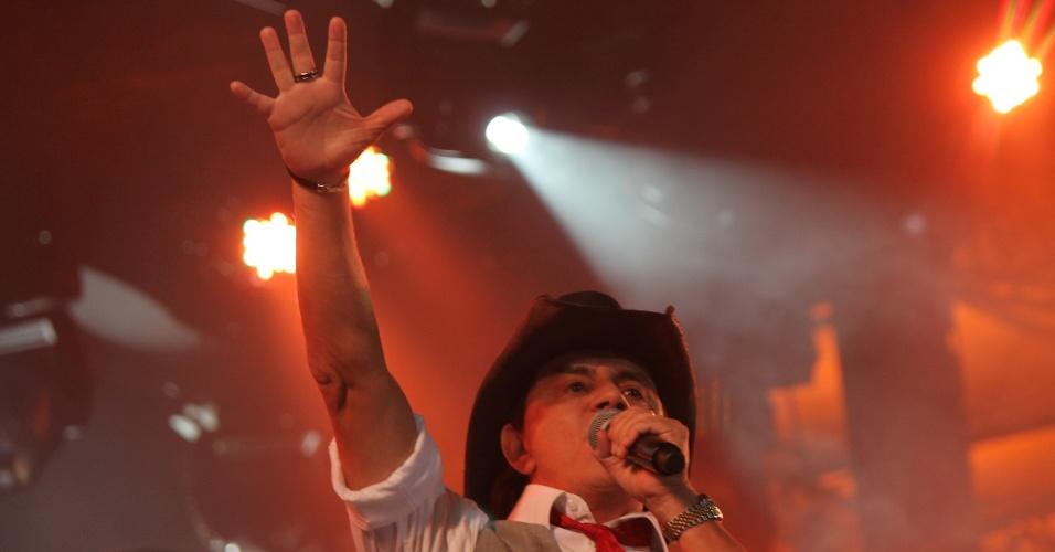 Chitãozinho durante show com Xororó na primeira noite do Caldas Country Show, em Caldas Novas (16/11/2012)