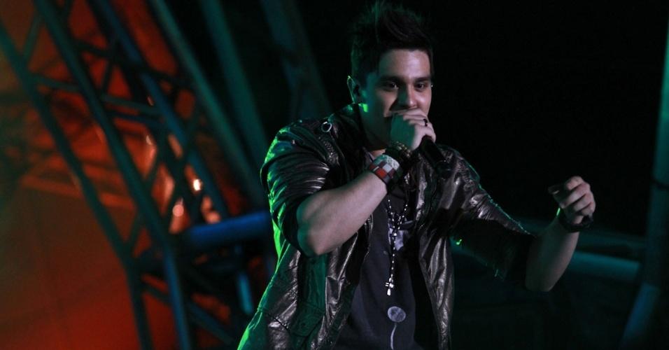 Luan Santana se apresenta na primeira noite do Caldas Country Show, em Caldas Novas (16/11/2012)