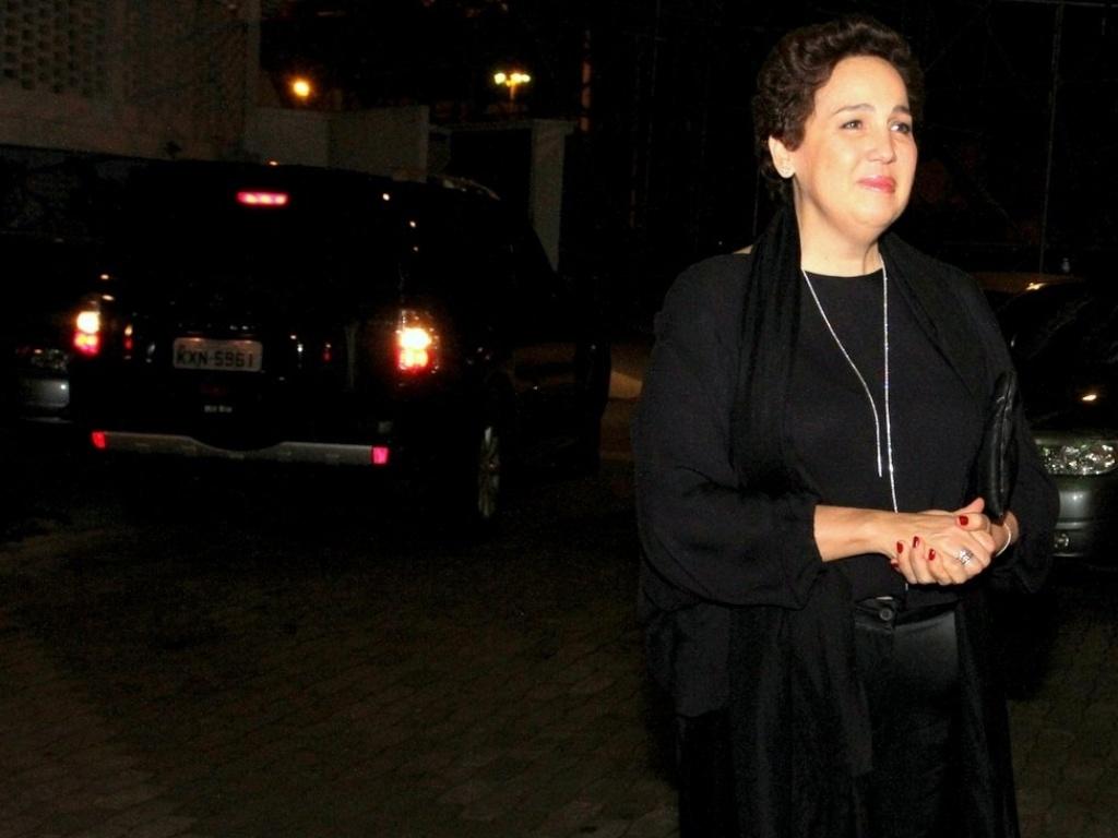 A atriz Claudia Jimenez comemora seu aniversário de 54 anos neste domingo (18), acompanhada de amigos e familiares no Clube Marinbá, em Copacabana, no Rio de Janeiro