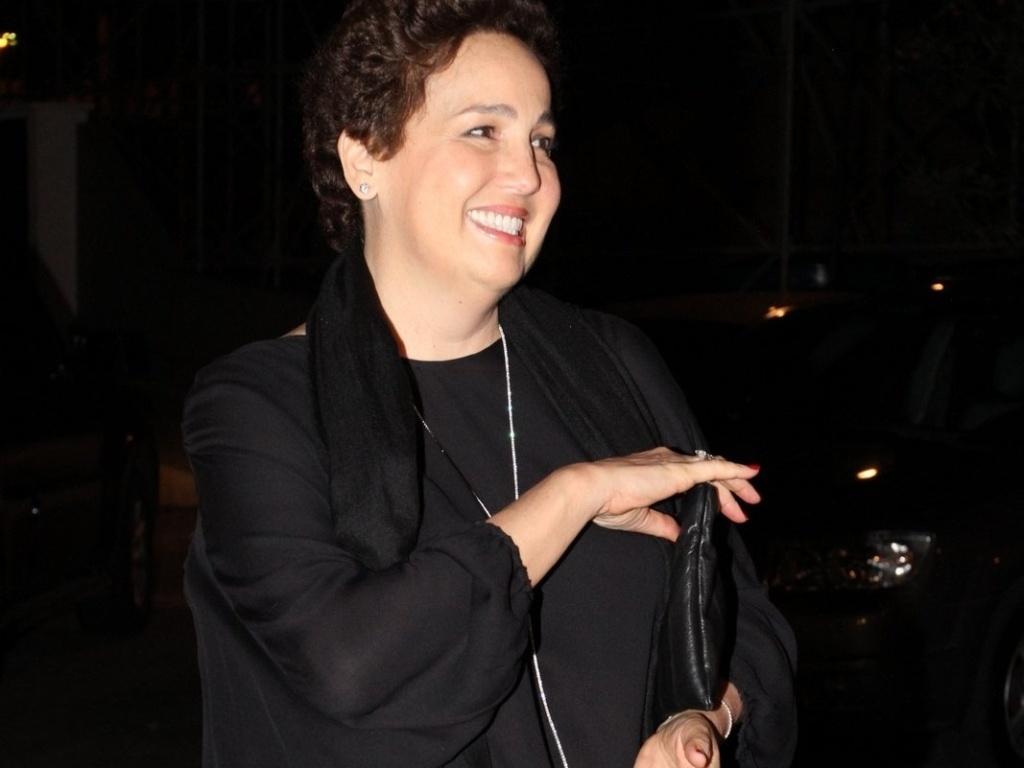 A atriz Claudia Jimenez comemora seu aniversário de 54 anos neste domingo (18), acompanhada de amigos e familiares no Clube Marinbá, em Copacabana, no Rio de Janeiro. A atriz se submeteu a uma cirurgia cardíaca em julho de 2012