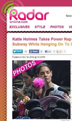 A atriz Katie Holmes mostra cansaço ao voltar de passeio com a filha em metrô de Nova York (18/11/12)
