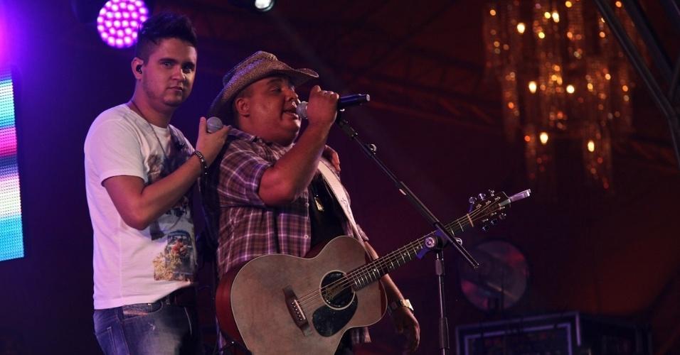 A dupla Humberto e Ronaldo se apresenta na segunda noite do Caldas Country Show, em Caldas Novas (17/11/2012)