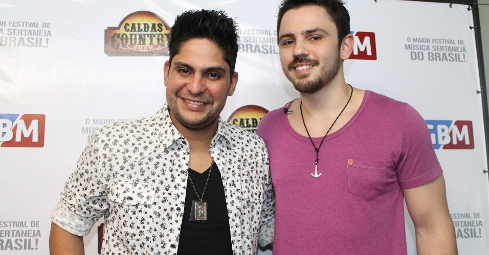 A dupla Jorge e Mateus nos bastidores do Caldas Country Show, em Caldas Novas, Goiás (17/11/2012)