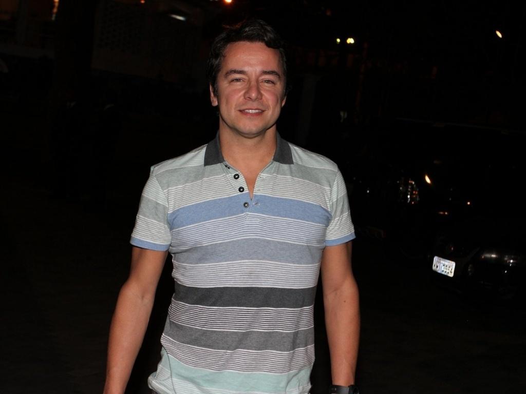 O ator Carlos Vieira é um dos convidados do aniversário da atriz Claudia Jimenez (18/11/12)