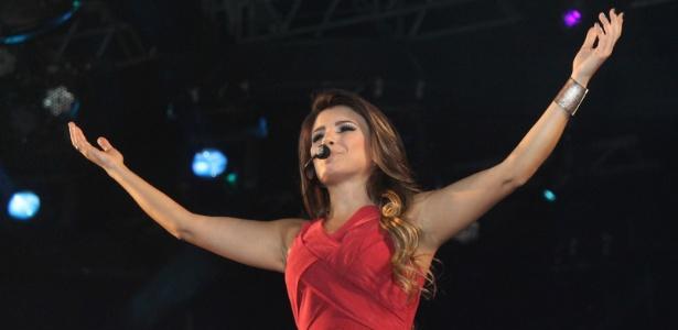 """Paula Fernandes é a primeira atração do segundo dia do """"Caldas Country Show"""" (18/11/12)"""