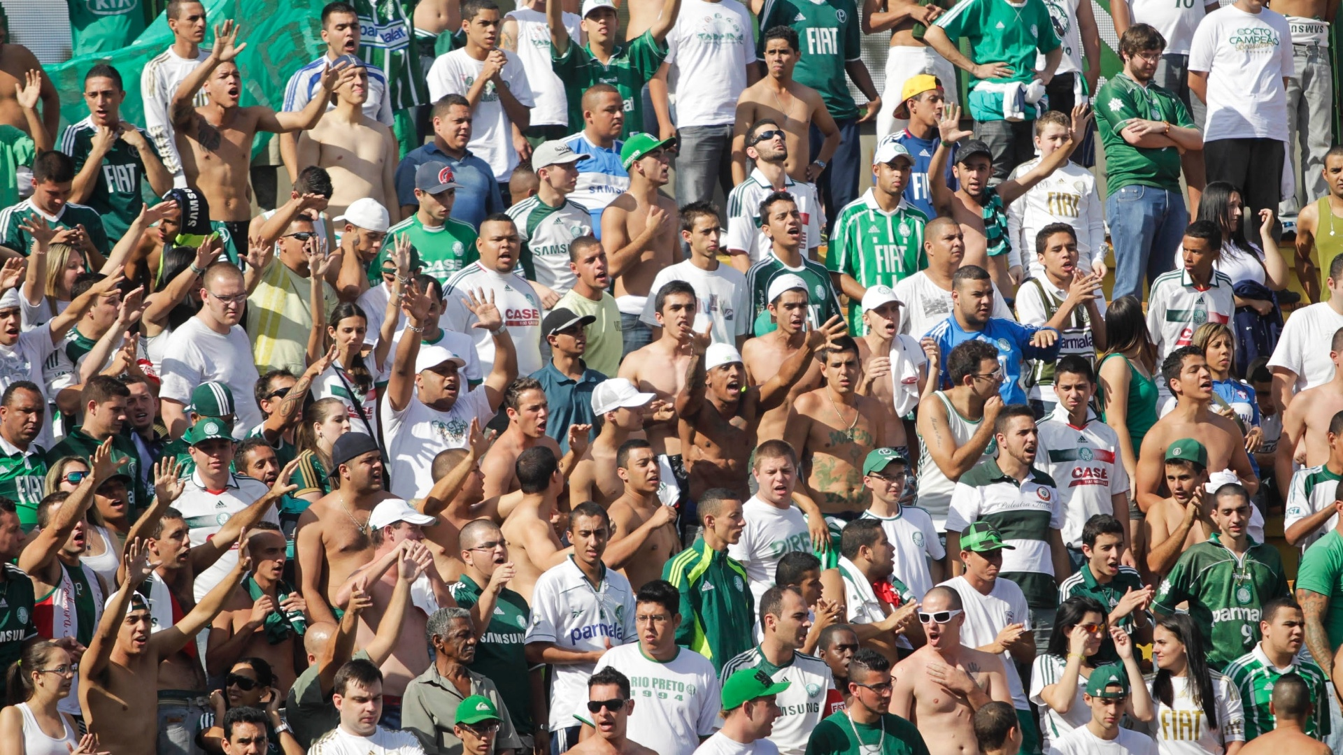 Torcida do Palmeiras marca presena em Volta Redonda para acompanhar o duelo contra o Flamengo