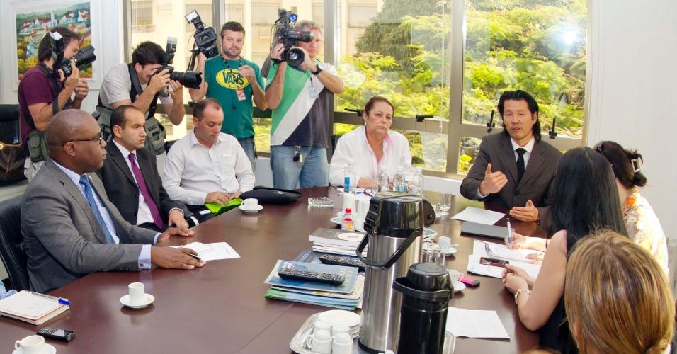 19.nov.2012 -  Representantes da Secretaria de Direitos Humanos da Presidência da República se reuniram em Florianópolis com autoridades de Santa Catarina, nesta segunda-feira (19),  para discutir sobre as denúncias de tortura de detentos em presídios do Estado