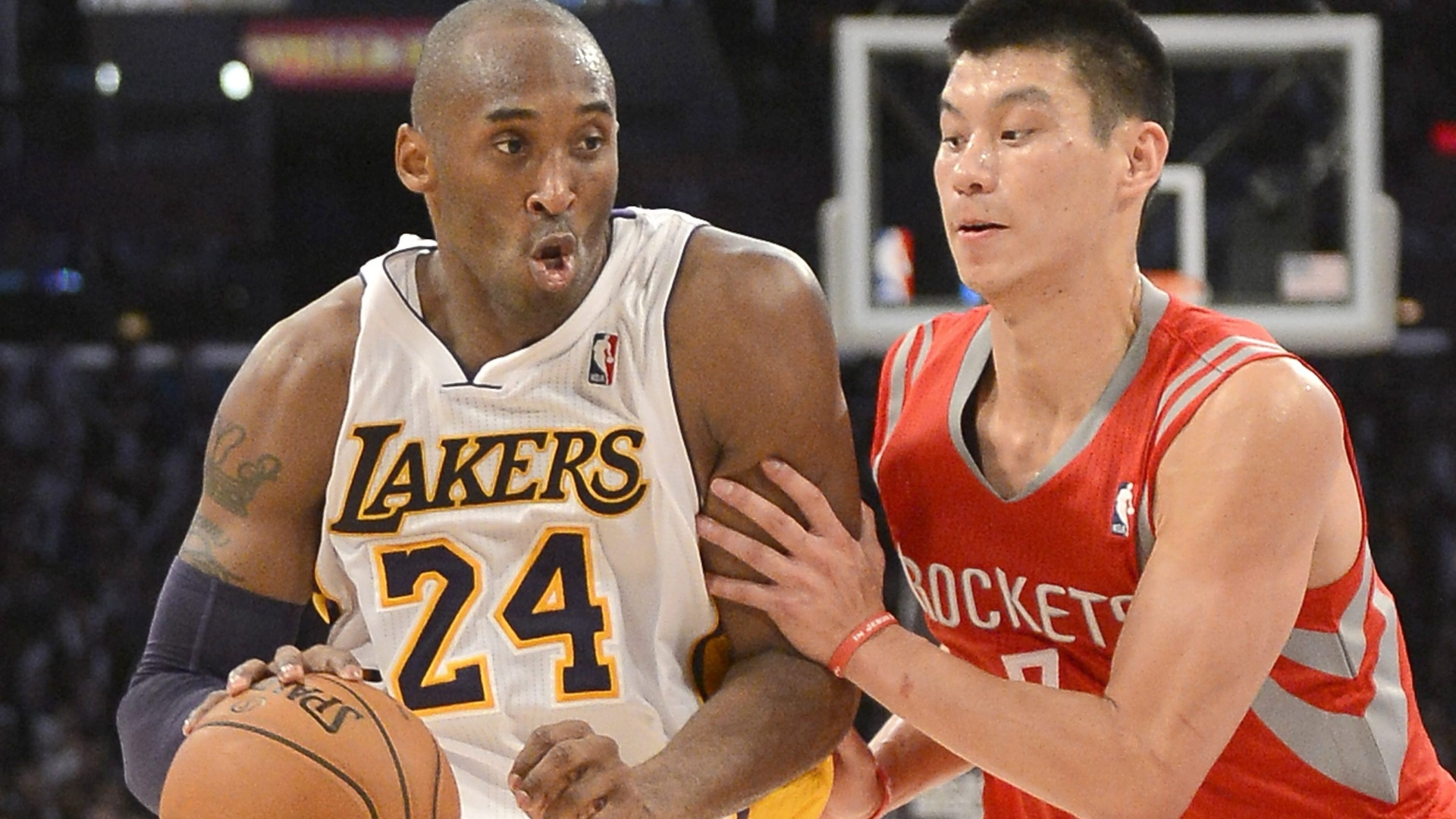Kobe Bryant é marcado por Jeremy Lin na vitória do Los Angeles Lakers sobre o Houston Rockets (18/11/12)