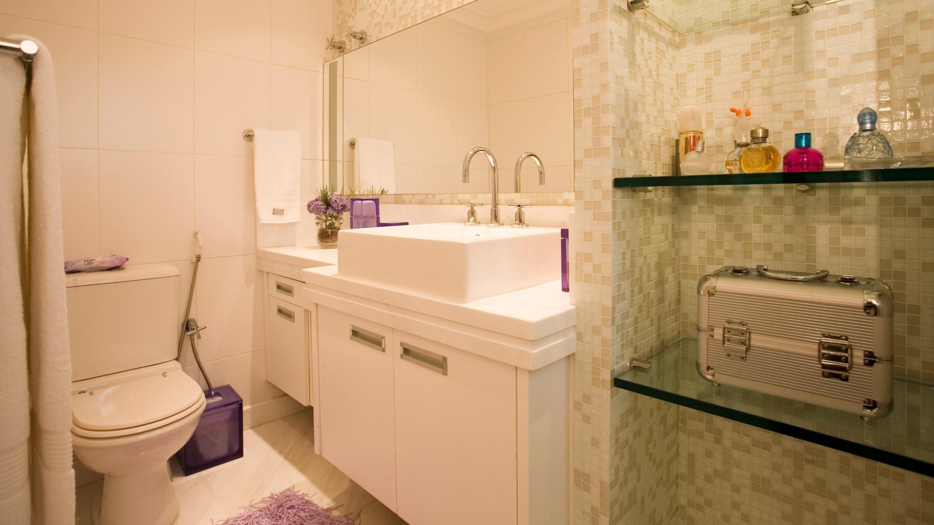 Imagens de #B3163D decorar banheiro pequeno gastando pouco:Banheiros pequenos: dicas de  1920x1080 px 3604 Banheiros Super Simples