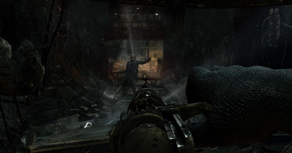 """""""Metro: Last Light"""" apresenta uma trama dramática que mostra uma guerra pós-apocalíptica entre humanos e seres infectados pela radiação"""