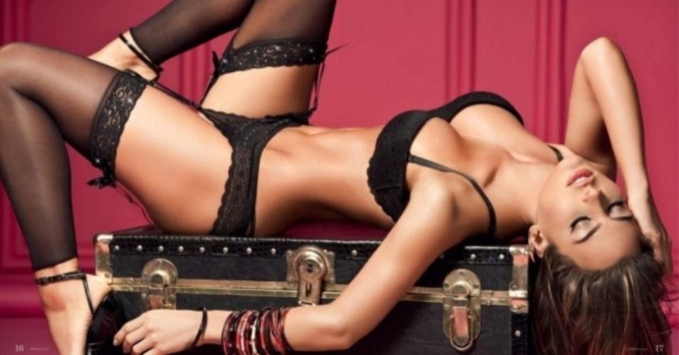Nov.2012 - Namorada de Falcao García, jogador do Atlético de Madri, Natalia Velez costuma aparecer em ensaios de biquíni e lingerie