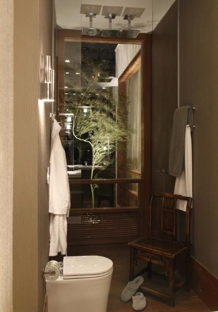 Aplique truques e dicas de decoração para ampliar as dimensões do seu banheir -> Ducha Banheiro Pequeno