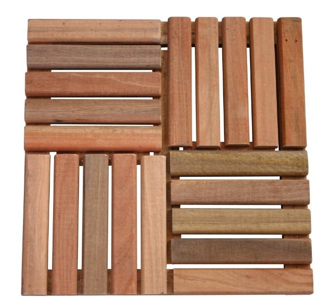 Próprio para utilização em pisos externos e resistente às intempéries, o mini deck de cedro da Home Wood mede 50 x 50 cm e é instalado através de encaixes macho-fêmea. À venda na Leroy Merlin (www.leroymerlin.com.br) por R$ 36,64 (unidade), sem frete