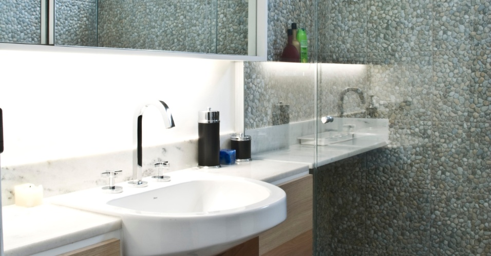abaixo algumas fotos de banheiro pequeno decorado com porcelanato -> Banheiro Decorado Com Porcelanato Preto