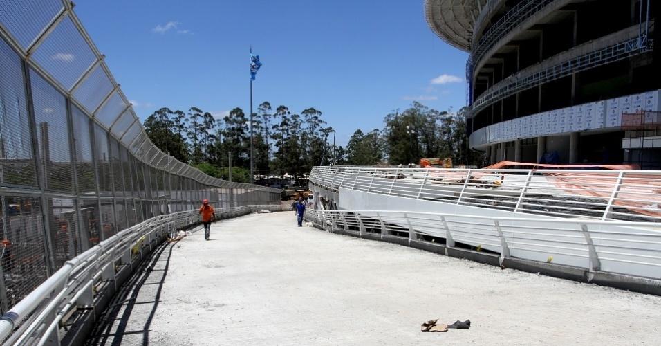 Acesso livre de torcedores do Grêmio nas obras da Arena do clube