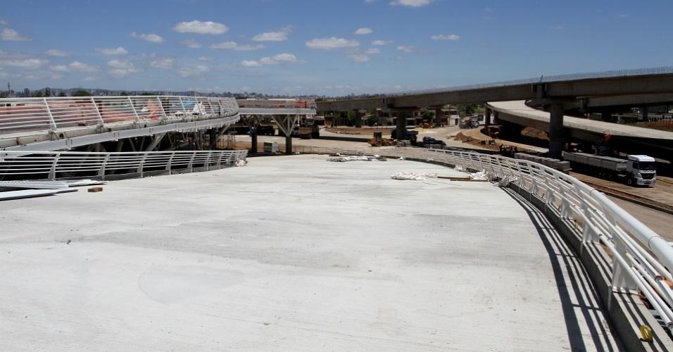 Rampas de acesso dos torcedores do Grêmio na nova Arena do clube gaúcho