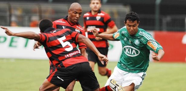 Palmeiras x Atlético-GO na 1ª rodada é entre duas equipes rebaixadas em 2012