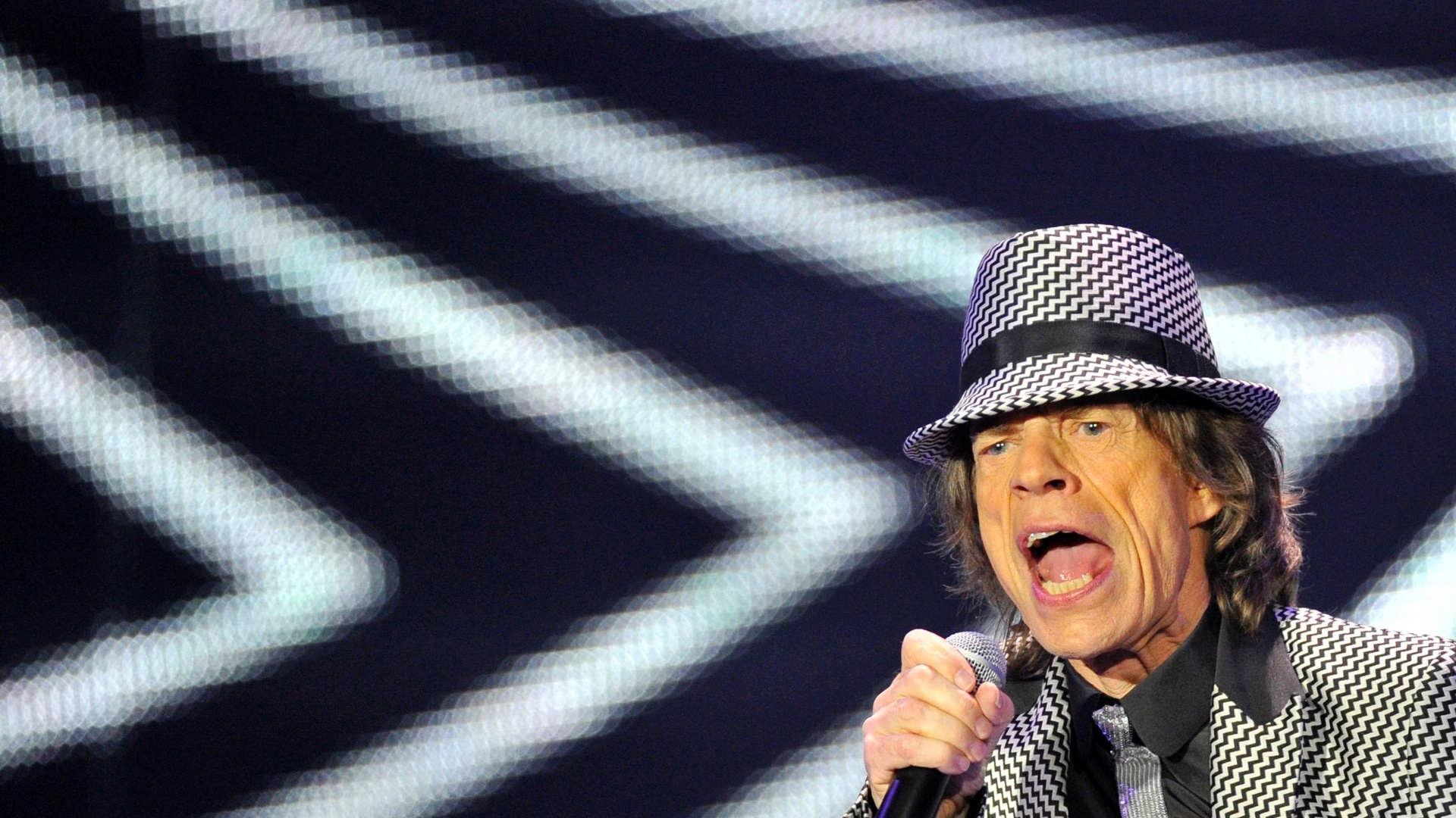 Mick Jagger se apresenta no primeiro show dos Stones depois de um hiato de 5 anos (25/11/12)