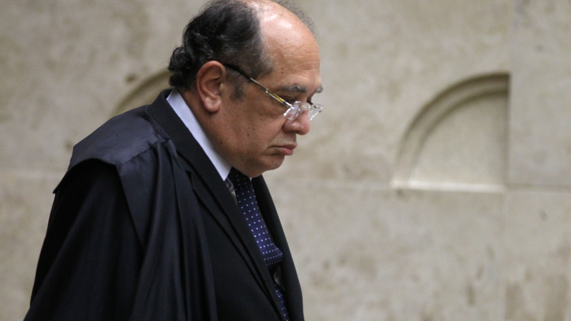 26.nov.2012 - O ministro do STF Gilmar Mendes durante a 48 sesso de julgamento do processo do mensalo