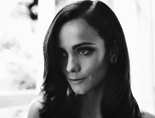 A atriz Alcie Braga foi a escolhida para celebrar o primeiro ano da São Paulo Lifestyle Magazine (26/11/12)
