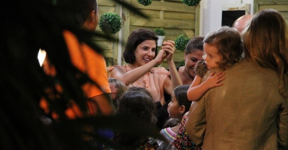 Catarina, filha dos atores Marcelo Serrado e Rafaela Mandelli, comemorou oito anos em festa no Rio de Janeiro (26/11/12)
