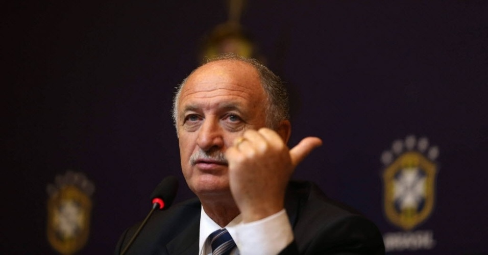 29.nov.2012 - Luiz Felipe Scolari gesticula durante coletiva no anncio de sua efetivao como tcnico da seleo brasileira no Rio de Janeiro