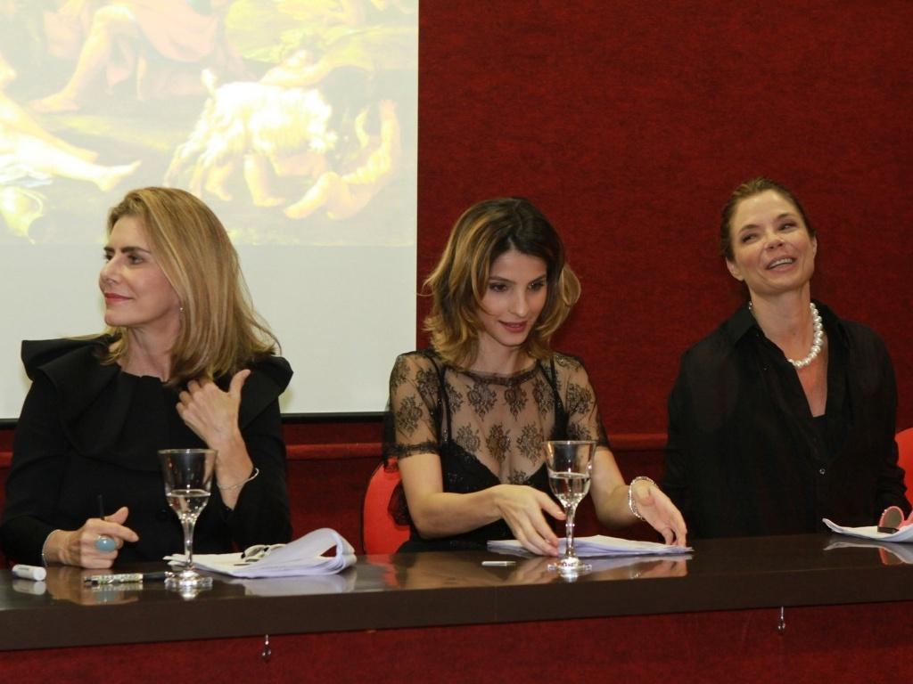29.nov.2012 - Maitê Proença, Giselle Batista e Alexia Dechamps na leitura dramatizada de