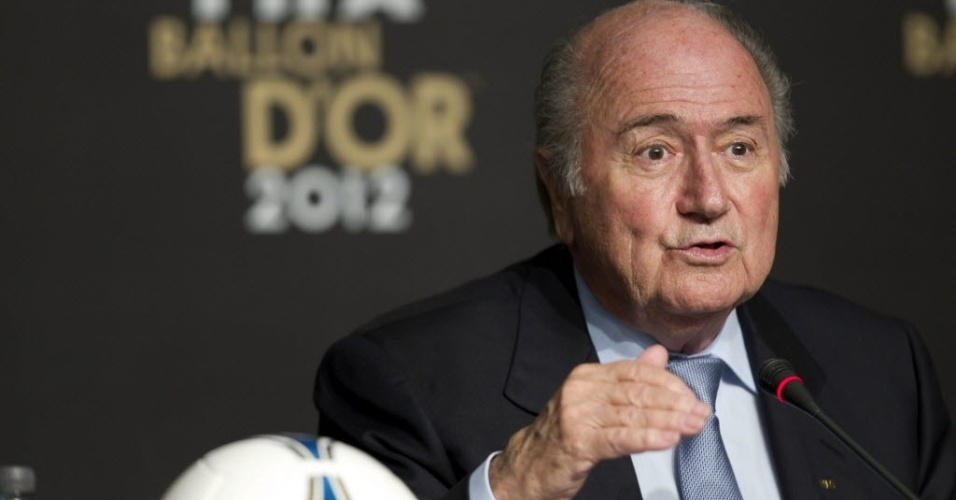 29.nov.2012 - Presidente da Fifa, Joseph Blatter, discursa em So Paulo durante anncio dos indicados ao prmio de melhor jogador do mundo em 2012