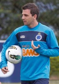 Após recusa do Cruzeiro: Santos faz nova proposta e libera Henrique por Montillo