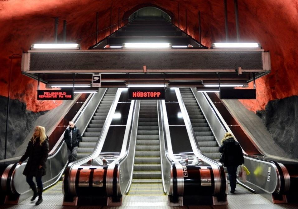 Esta es de metr europeias viram galerias de arte com - Metro de estocolmo ...