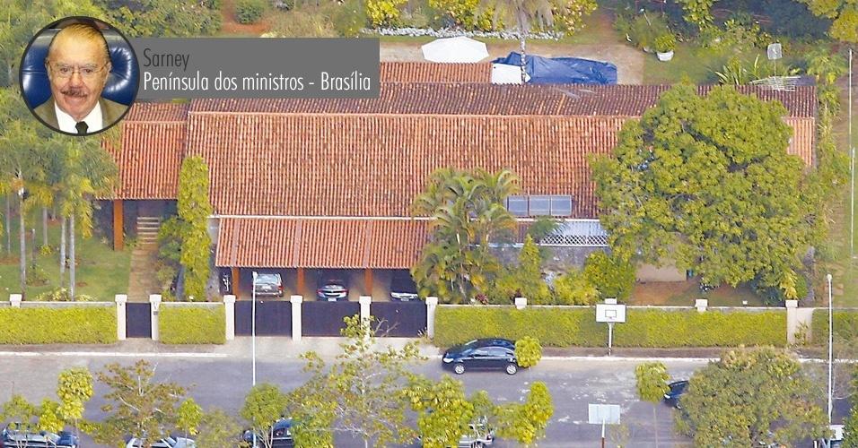 Vista aérea da residência particular do senador José Sarney (PMDB-AP), avaliada em R$ 4 milhões, na Península dos Ministros, em Brasília, que não foi declarado à Justiça Eleitoral nas eleições de 2006. Em julho de 2009, a assessoria do senador afirmou que o imóvel não foi declarado por esquecimento do contador