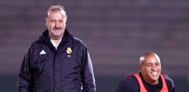 01DEZ2012 - Vicente Del Bosque e Roberto Carlos em treino do Real Madrid