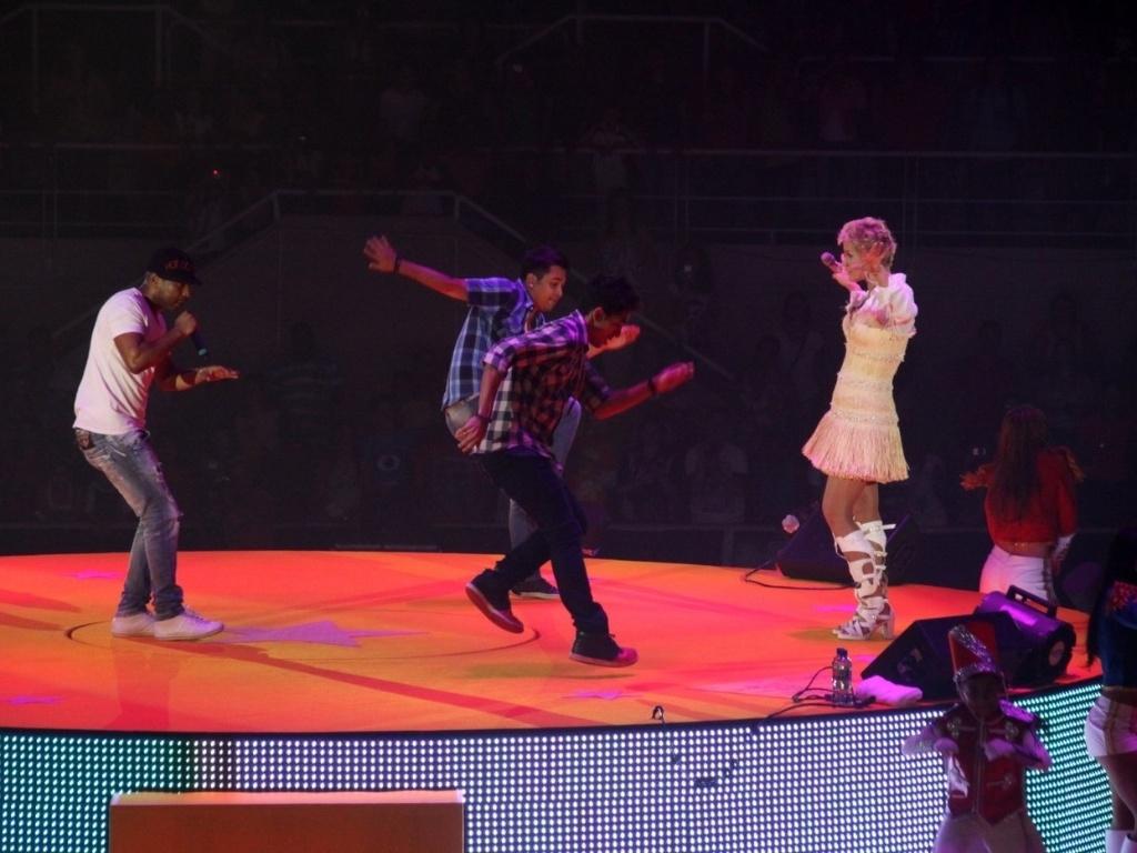 1.dez.2012 - O cantor Buchecha se apresenta no show