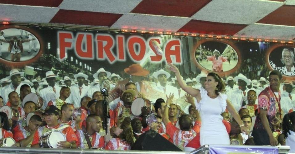 1.dez.2012: A rainha de bateria do Salgueiro, Viviane Araújo, participa do ensaio da escola de samba para o Carnaval 2013, em quadra na Tijuca, no Rio de Janeiro