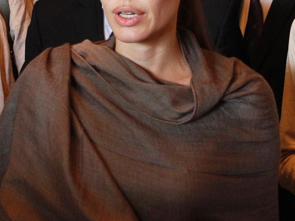 15.set.2012 - Angelina Jolie em visita ao Iraque como enviada especial do Alto Comissariado das Nações Unidas para os Refugiados
