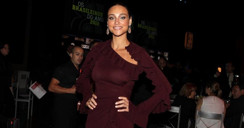 3.dez.2012 - A atriz Débora Nascimento, a Tessália de