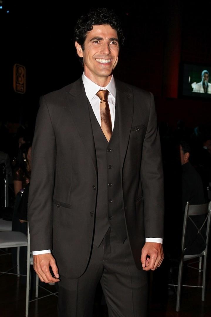 3.dez.2012 - O ator Reynaldo Gianecchini recebeu o prêmio de Artista do Ano em evento da revista