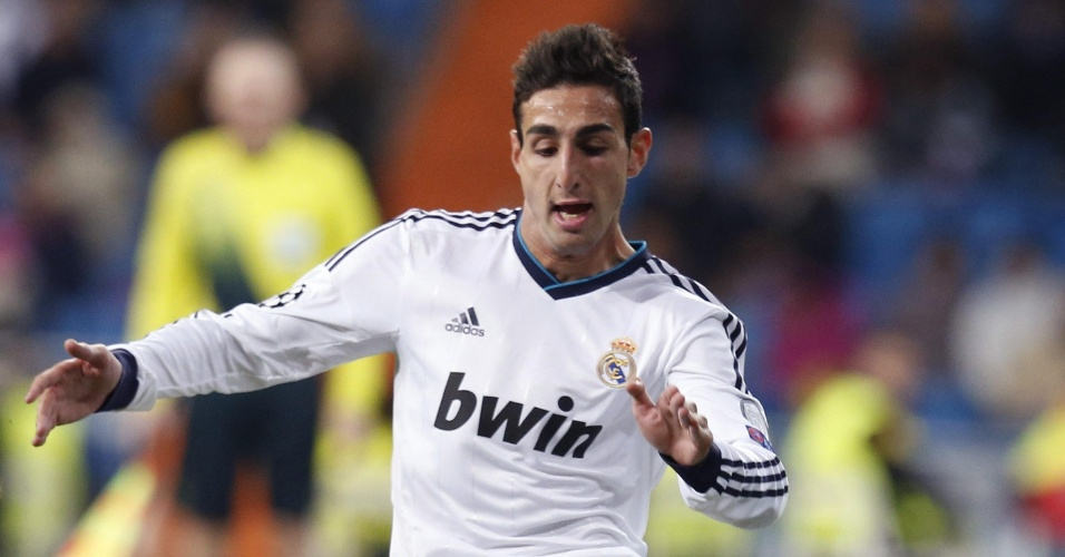 04.dez.2012 - Jose Rodriguez, jovem atacante do Real Madrid, em ação pela equipe contra o Ajax; espanhol tornou-se o mais novo da história a defender o clube na Liga dos Campeões.