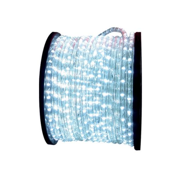 A mangueira luminosa de LED serve para decorações em ambientes internos e externos. O rolo mede 100 metros e funciona nas tensões de 127V ou 220V. Disponível nas cores branca, vermelha, azul, verde e âmbar, o produto possui 36 LEDs por metro e acompanha fixador plástico. Por R$ (o rolo) na Avant (www.avantsp.com.br) | Preços consultados em novembro e sujeitos a alterações